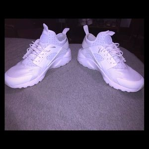 Nike Shoes - Men's Hurrache size 8.5